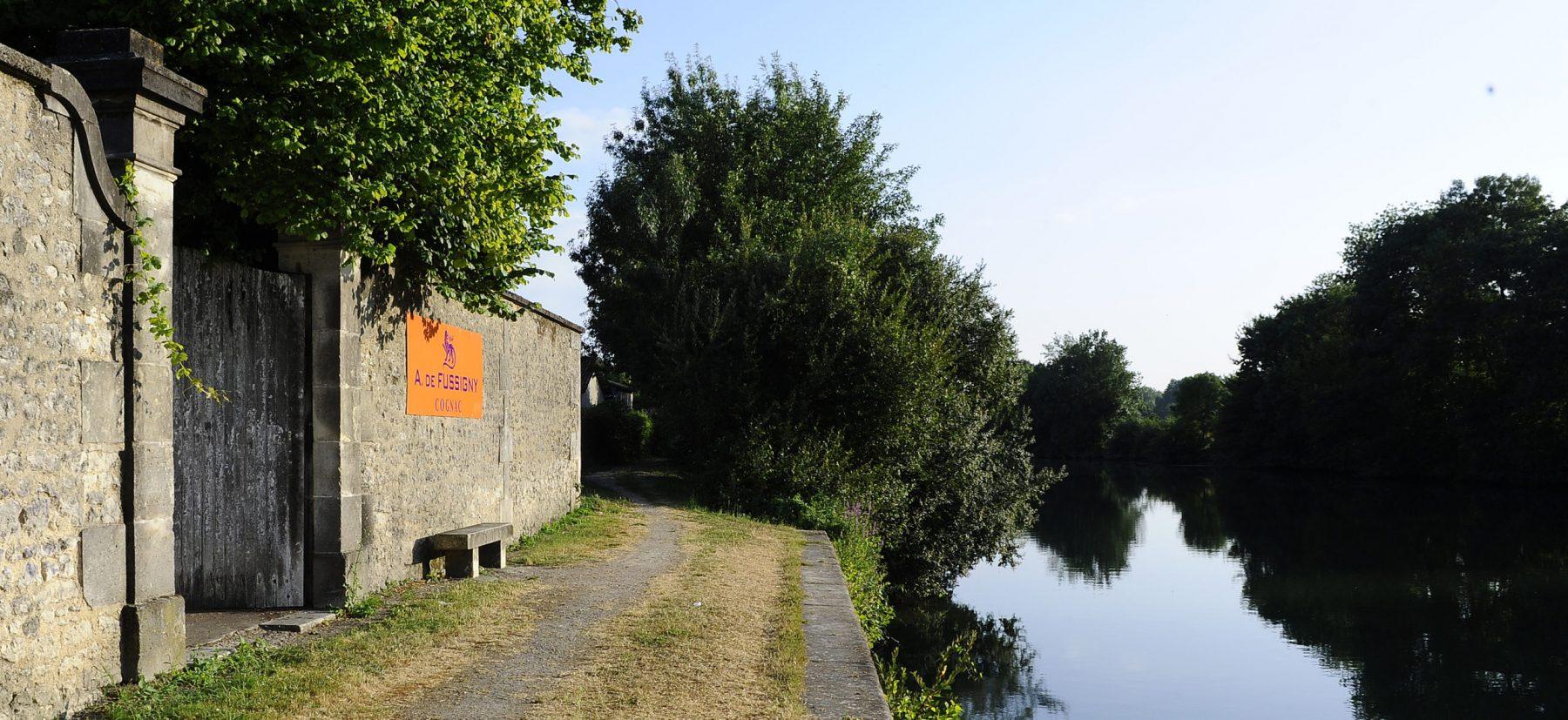 A.-de-Fussigny-Bord-de-Charente-scaled