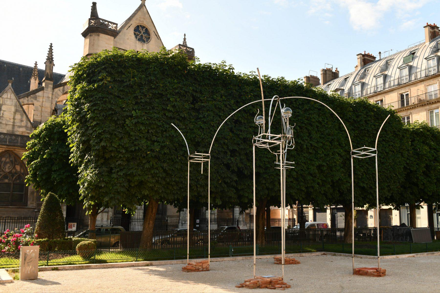 Juan-Garaizabal-Place-du-Louvre-Salon-des-Tuileries-BD-scaled
