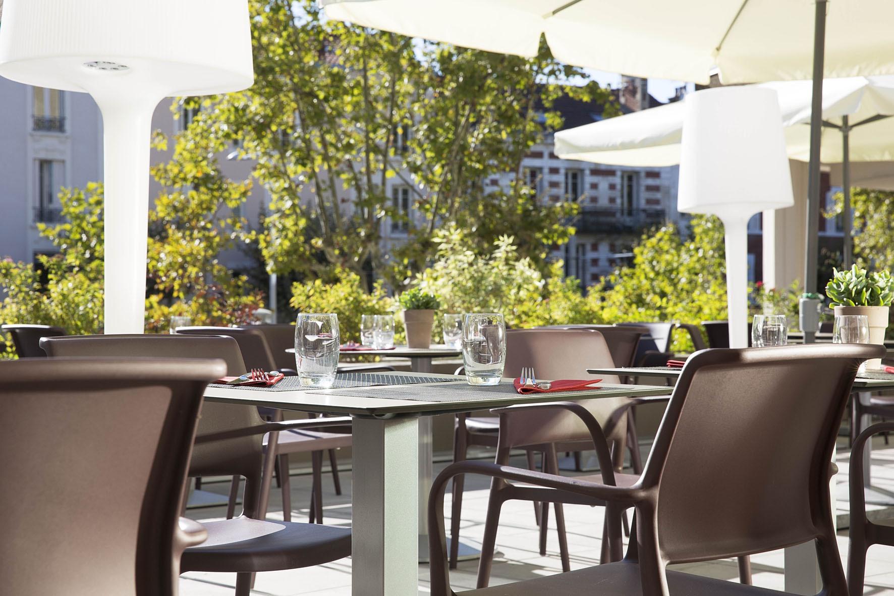 oceania-clermont-ferrant-restaurant-56-bd