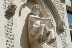 Maison des Musiciens, rue de Tambour, Reims, le joueur de chevrette