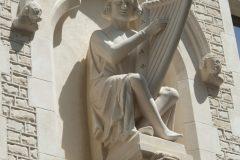 Maison des Musiciens, rue de Tambour, Reims, le joueur de harpe